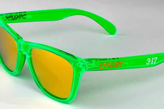 oakley frogskins neon green